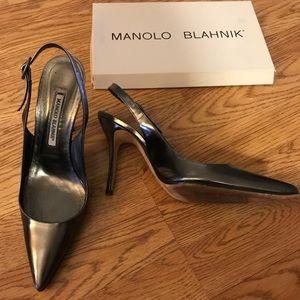 Metálica Manolo Blahnik pumps